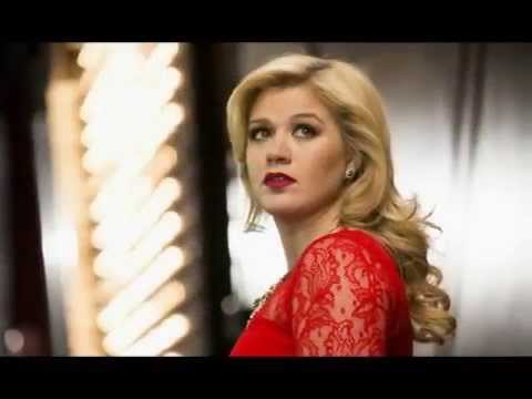 Lagu Barat Terbaru Kelly Clarkson - Invincible bakar semangat wanita