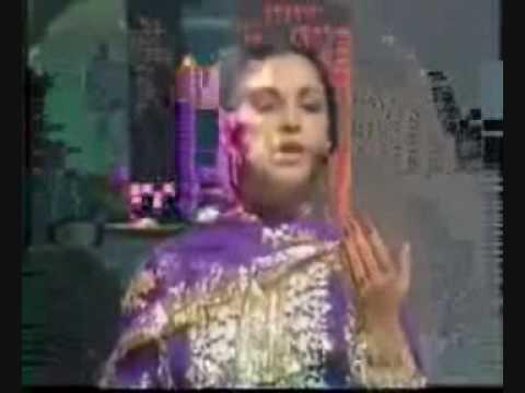abhi to main jawan hoon ..malika pukhraj