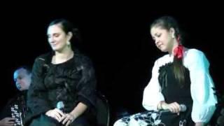 Елена Ваенга и Алёна Петровская   Огней так много золотых   Рязань 3 12 2010