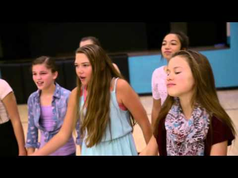 Eisenhower Middle School's Five Star Show Choir - I Want You Back