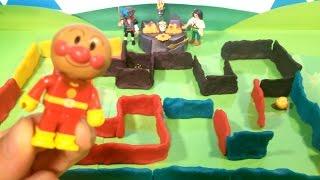 アンパンマン 巨大めいろをクリアしてお宝ゲットできるかな? ❤️ ねんど 迷路 わくわく  おもちゃ 絵本 アニメ トイキッズ animation anpanman Toy Maze Play Doh thumbnail
