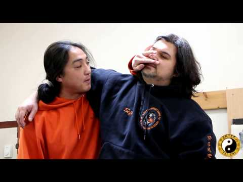 Free Kung Fu Lessons Online - Getting Out Of A Basic Headlock