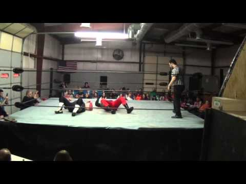 Ben Wright vs TJ Boss UIW 112815