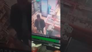 Вот Азербайджанец как обманывает продавшитцу машейник