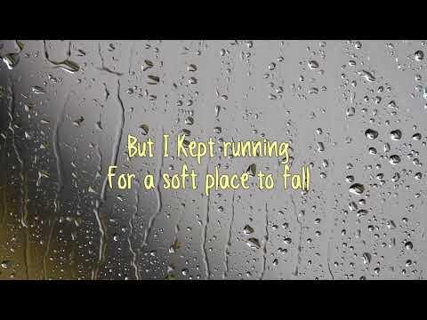 AURORA - Runaway. (Lyrics).