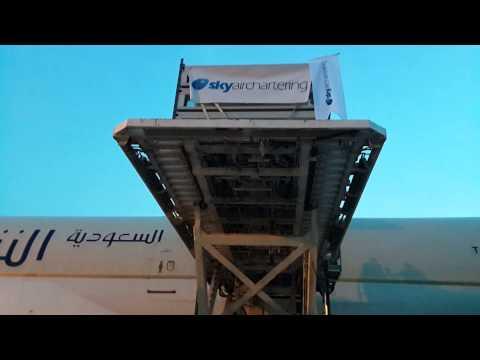 Sky Air Chartering  Loading  Saudi Cargo  www.skyaircharter.com