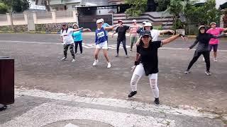 GOYANG WIK WIK Lifa Nabila choreo by ZIN EVIN aassooyyy yuk goyang with Zumba Squad