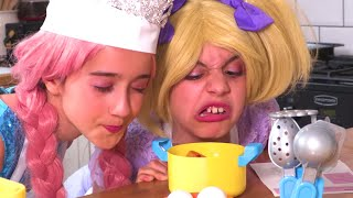 Princess Pretend Cooking 🍳 Play Food 🍳 Princesses In Real Life | Kiddyzuzaa