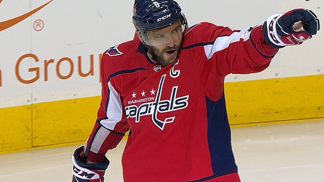 Ovechkin through Twitter showed his queen 02.12.2011 83