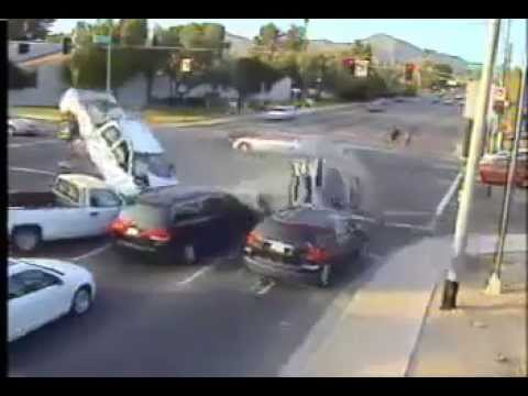 Accident In Dubai Video Download - YouTube