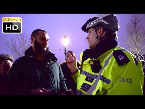 Police talk to Mohammed Hijab  | Speakers Corner | Hyde Park
