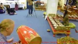 Introduction Gamelan of Java KJRI L.A By Maria Bodman,Cliff & Student :Irama lancaran(Pembuka
