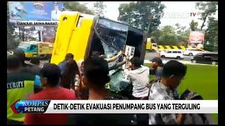 Detik-Detik Evakuasi Penumpang Bus yang Terguling