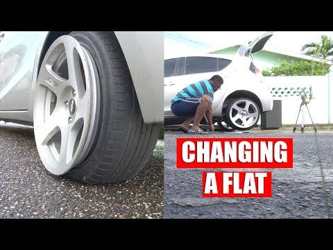 Prius C / Toyota Aqua BIGGEST FLAW!!! How To Change A Flat Tire...