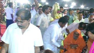 Sri Dayananda Saraswati Attends Twelth Day Bhakthi TV Koti Deepothsavam
