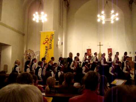 conductor of tygerberg children's choir christmas