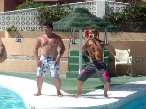 David & Javi en bahia serena haciendo el agua gym :)