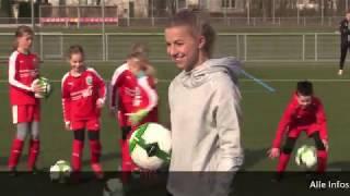 Jackie Groenen besucht die FFC-Mädchenfußballschule in den Osterferien 2018