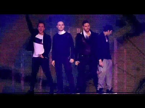 5IVE SING 'KEEP ON MOVIN' LIVE - THE BIG REUNION
