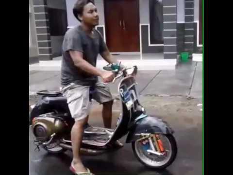 Scooter tua rasa muda (pekalongan)