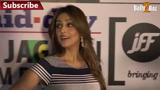 Repeat youtube video Aarti Chhabria Hot In Tight Dress