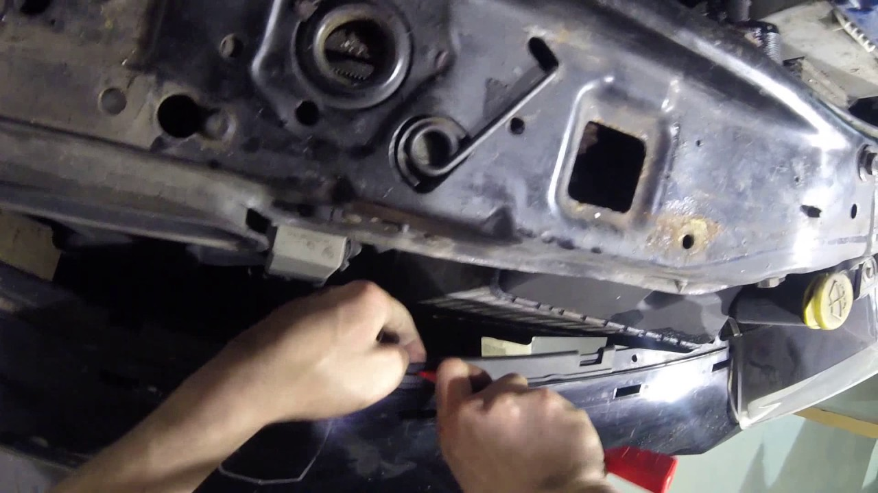 astra h mk5 headlamp and front bumper removal guide [ 1280 x 720 Pixel ]