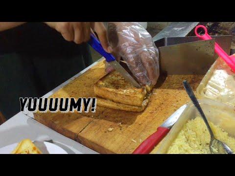 kuliner-bandung-legendaris-roti-gempol-(-street-food-bandung)
