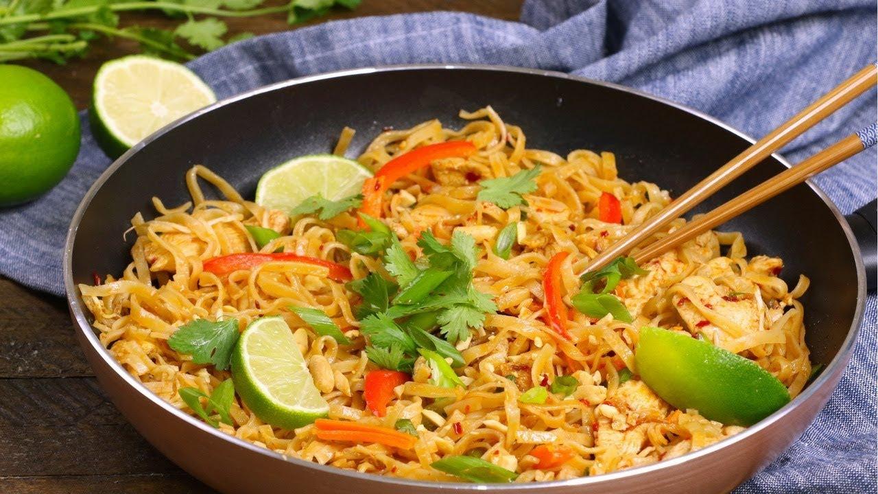 The Best Chicken Pad Thai