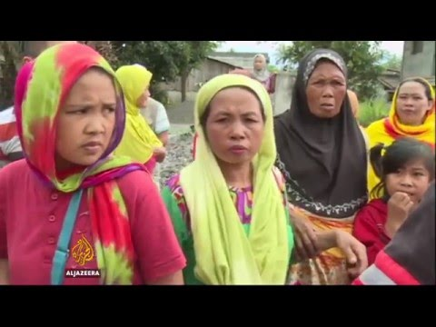 Philippines conflict: Clashes in Mindanao disrupt lives