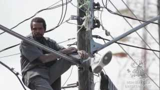 Repeat youtube video Ninja Warren Amazes all by dancing Up High On Live Electrical Wire!!