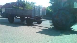 Прикол.тракторист с триугольным колесом)