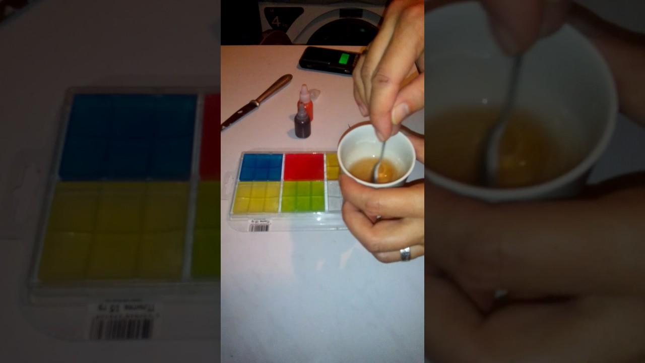 5 ноя 2015. Красители. Выбор красителей для мыла ручной работы очень разнообразен. Особенно хотелось бы отметить словацкий краситель zenicolor. Он придает очень нежные красивые оттенки мылу. С помощью него можно делать радужное мыло и мыло-хамелеон, которое при смыливании.