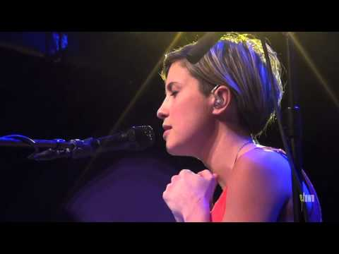 "Missy Higgins - ""Everyone's Waiting"" (eTown Webisode #286)"