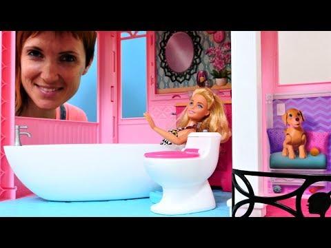 Кукла Барби и ванная комната - Видео для девочек с Машей