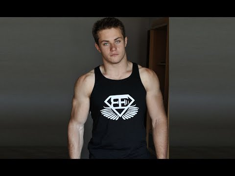 Introducing The WORLD STRONGEST Man In Calisthenics (18 Years Old)