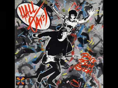 Daryl Hall & John Oates - Some Things Are Better Left Unsaid