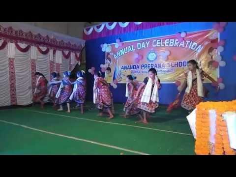 Sambalpuri bhajan Sulha bharani by school girls