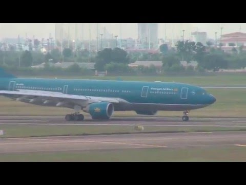vn-a375-vietnam-airlines-airbus-a330-223-in-ho-chi-minh-intl.