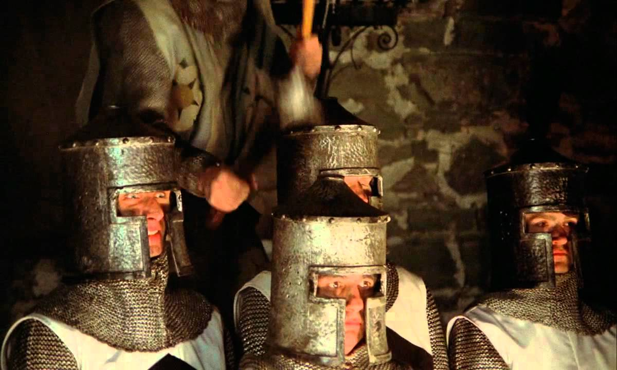 Gentil Monty Python And The Holy Grail   Knights Of The Round Table/Camelot Song HD
