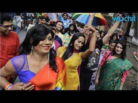Indian Transgender Sari Models Challenge Norms