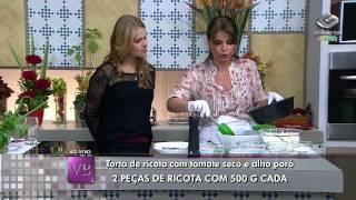 TORTA DE RICOTA COM TOMATE SECO E ALHO PORÓ