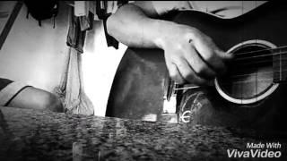 Ngỡ guitar êđê