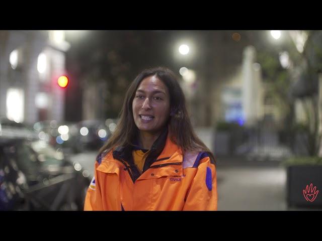 Karima aide les sans abris à retrouver dignité et lien d'amitié