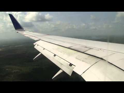 United 737-800 landing Belize City BZE