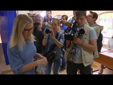 Putin, Navalny, Sobol Vote In Moscow Municipal Elections