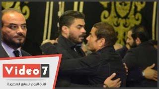 الهضبة عمرو دياب يصل مسجد عمر مكرم لتقديم العزاء لخالد سليم فى وفاة والده