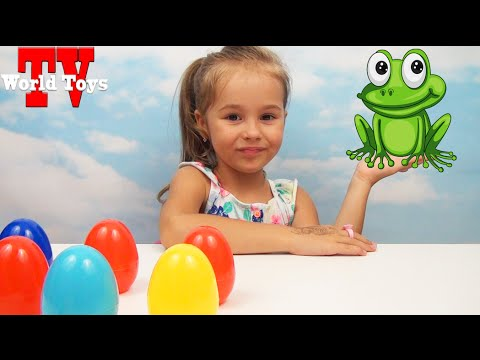 Челлендж с лягушками. Арина открывает цветные яйца с конфетами. Challenge with frog. The Frog Game