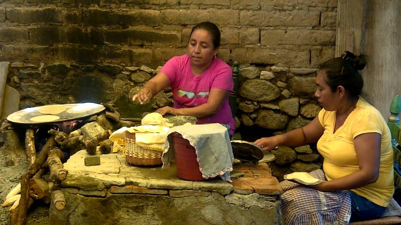 Haciendo Tortillas A Mano Coatetelco Morelos Mexico  YouTube