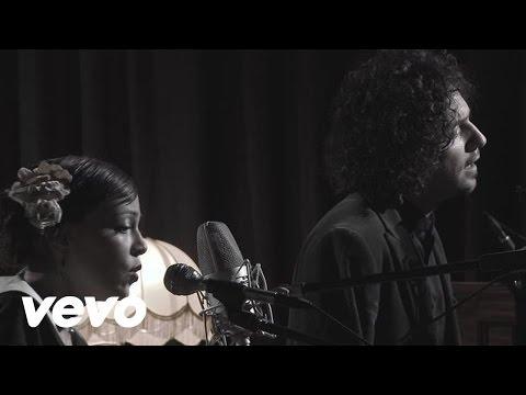 Ver Video de Natalia Lafourcade Natalia Lafourcade - Mujer Divina ft. Ismael Daniels