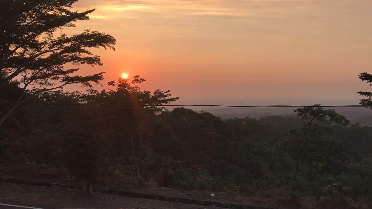 IMG 8005 在嚮樂李舍莊園咖啡看夕陽 - YouTube